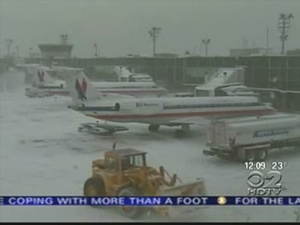 Snowstorm Forces Hundreds Of Flight Cancellations
