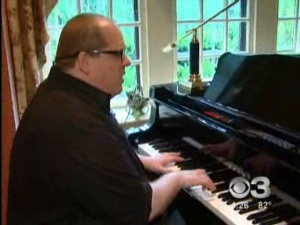 Eye On The Arts: Local 'Piano Man'