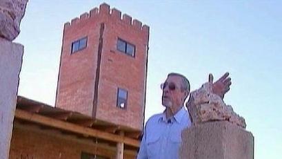 Arizona Rancher Builds Watchtower