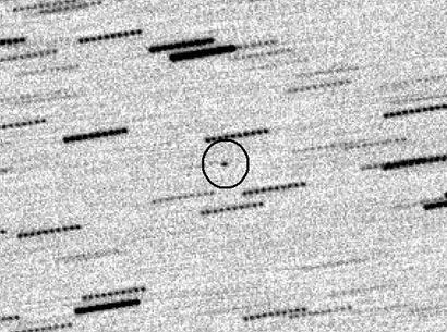 A mystery object from space, 33 to 50 feet wide at most, is about to whizz close by Earth. Scientists are stumped by what exactly it is. (AFAM/CARA/G.