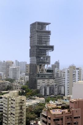 Construction of the most expensive house in the ...