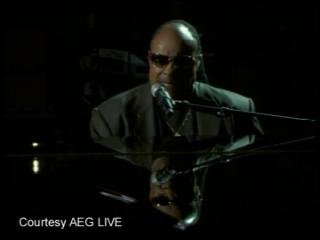 Stevie Wonder pays tribute to Jackson