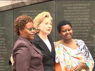 Clinton honours Nairobi embassy dead
