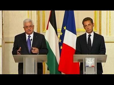Abbas: No halt to peace talks, yet