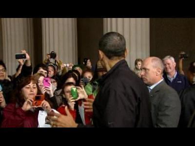 Obama pay surprise visit to Lincoln Memorial