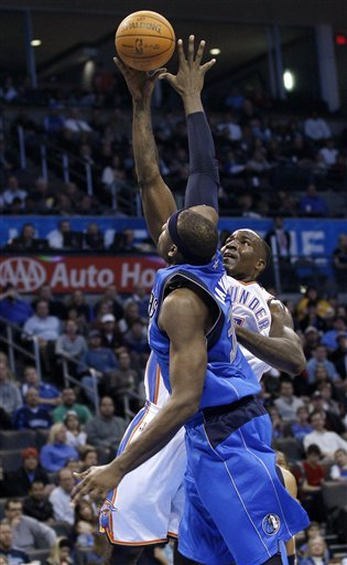 Oklahoma City Thunder Center Kendrick Perkins, Right Shoots