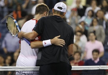 Andy Roddick, Right, Embraces