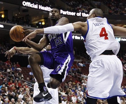 Sacramento Kings' Tyreke Evans (13) Goes