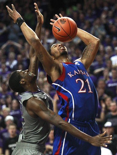 Kansas Forward Markieff Morris (21) And Kansas State Forward Jamar Samuels (32) Go For A Rebound