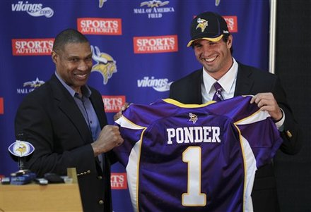 Minnesota Vikings First-round Draft Pick Christian Ponder, Right, Holds