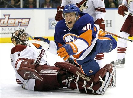 New York Islanders' Michael Grabner (40) Shouts