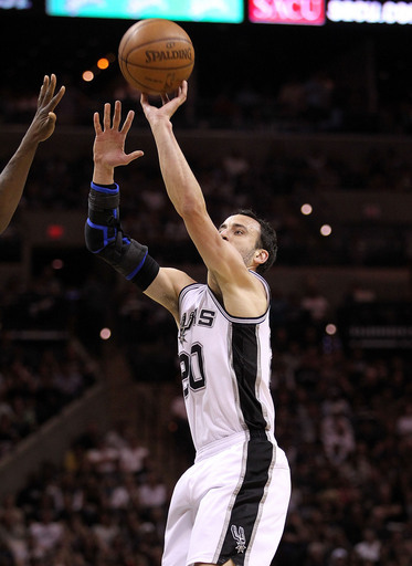 Ginobili's return sparks Spurs to even series Ap-201104202016729722311