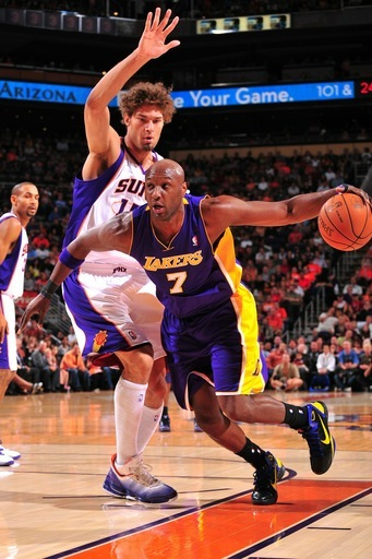 Lamar Odom #7 Of The Los Angeles Lakers Drives