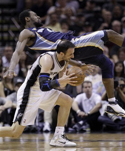 Ginobili's return sparks Spurs to even series Ap-66c57fd0085444f9a750a7ed99950a05