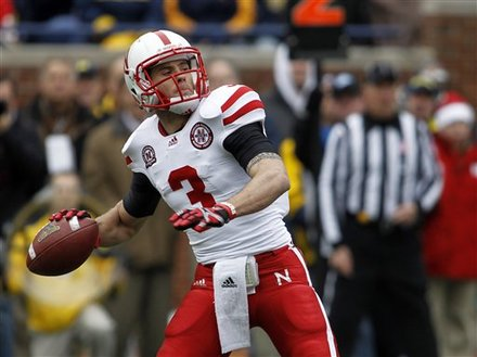 Nebraska QB Taylor Martinez prepares to throw against Michgan