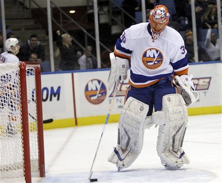New York Islanders Goalie Dwayne Roloson Takes