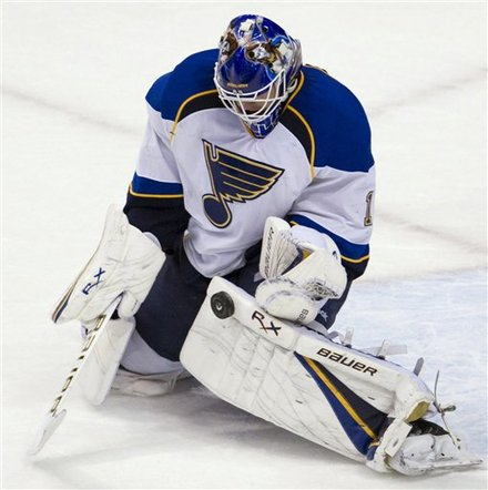 St. Louis Blues Goalie Brian Elliott Makes