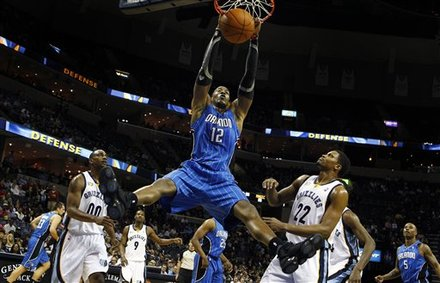 kobe bryant dunks on dwight howard. Orlando Magic#39;s Dwight Howard,