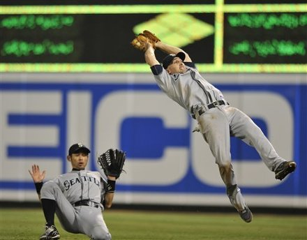 Seattle Mariners Second Baseman Jack Wilson Catches