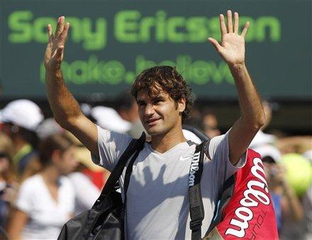 Roger Federer, Of Switzerland, Acknowledeges