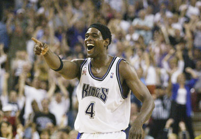 Chris Webber retired but Derek Felix never realized he was still playing.