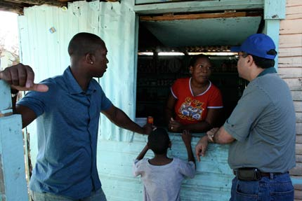 Alfonso Soriano visits Esperanza, a recipient of the Players Trust Bank of Hope loan in the Dominican Republic.