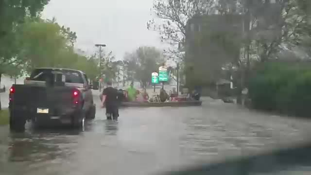 Hurricane Florence rescue: Cajun Navy comes to rescue of elderly man during flooding