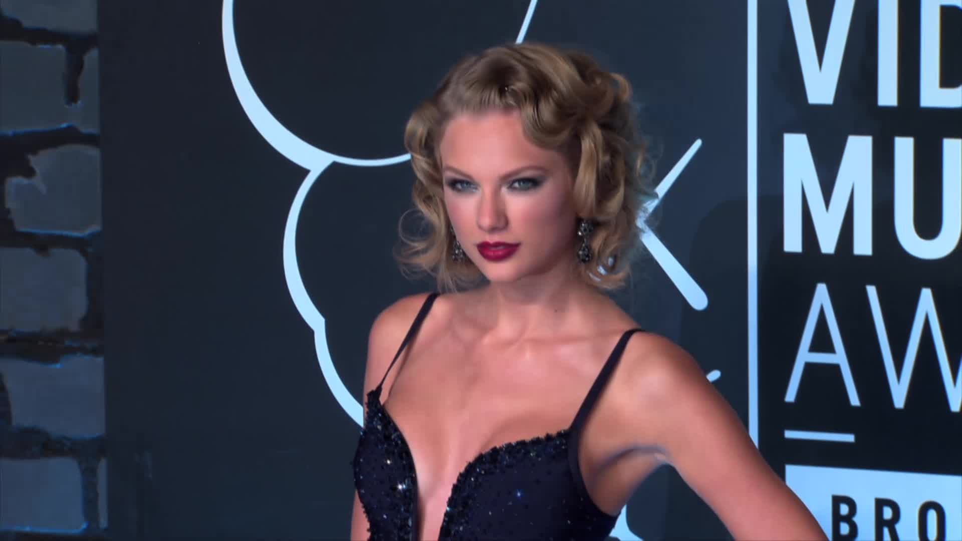 Taylor Swift at the premiere of 'Romeo and Juliet' on Tuesday in Hollywood (Photo: SplashNews)