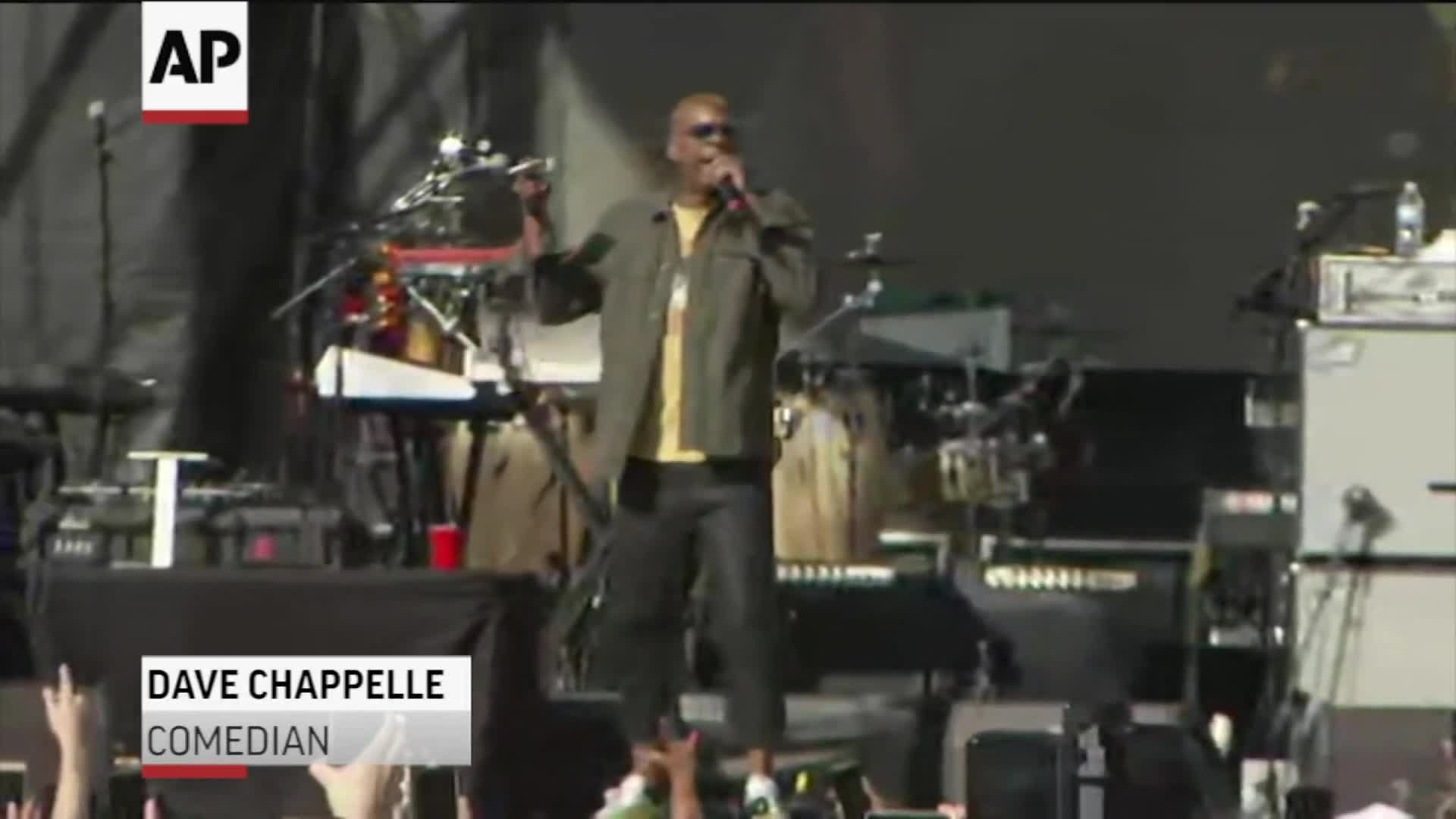 Dave Chappelle hosts concert to honor Ohio shooting victims