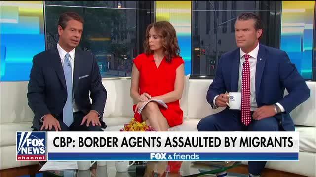 Democratic senators head to the border