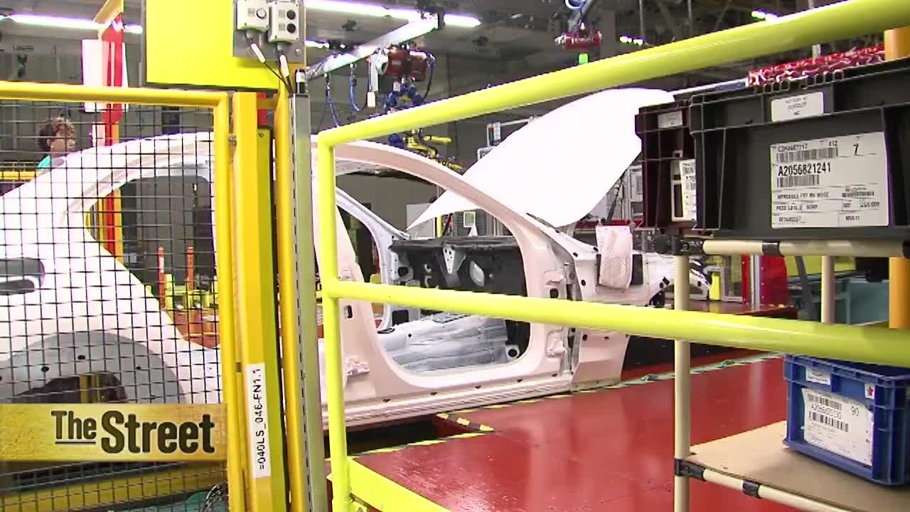 Mercedes labor chief seeks UAW foothold in Alabama