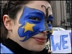 EU heads sign landmark treaty