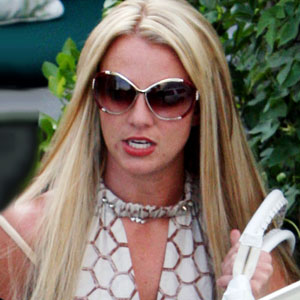 Britney Agrees to Sole Custody for K-Fed(E! Online)