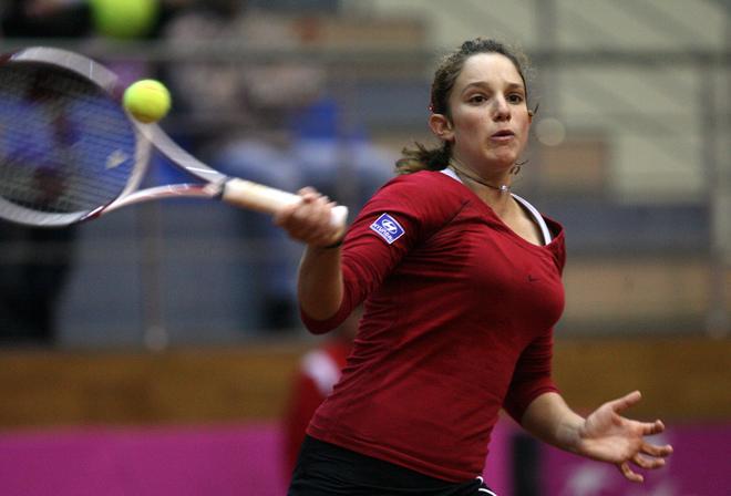 Photos of Tammy in tournament D9f3414126b6c64eda991c1773f4a5e3-getty-tennis-ukr-bel-fed-cup-bondarenko