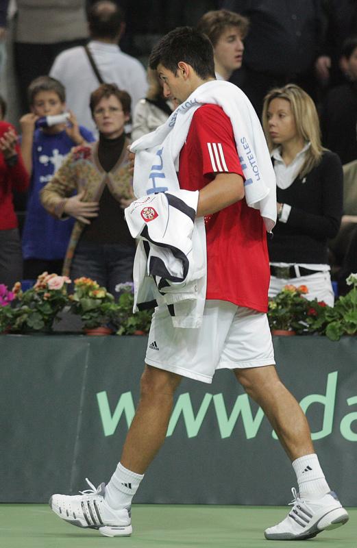 http://d.yimg.com/us.yimg.com/p/sp/getty/b0/fullj.4deeb7ac88431de54b1e214a43102a2d/4deeb7ac88431de54b1e214a43102a2d-getty-tennis-davis-rus-srb-djokovic.jpg