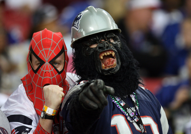 Fans of the New England Patriots are seen before Super Bowl XLII between the New England Patriots and the New York Giants at the University of Phoenix Stadium 03 February 2008 in Glendale, Arizona. AFP PHOTO / GABRIEL BOUYS (Photo credit should read GABRIEL BOUYS/AFP/Getty Images)