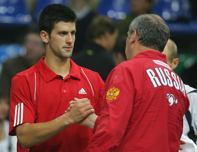 http://d.yimg.com/us.yimg.com/p/sp/getty/e8/fullj.06d987d5e9c333b4ffe73103f7cc1e09/06d987d5e9c333b4ffe73103f7cc1e09-getty-tennis-davis-rus-srb.jpg